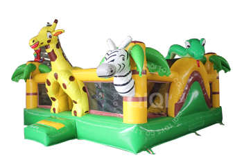 Safari inflatable playzone