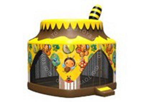 Inflatable Honeypot Jumping Castle
